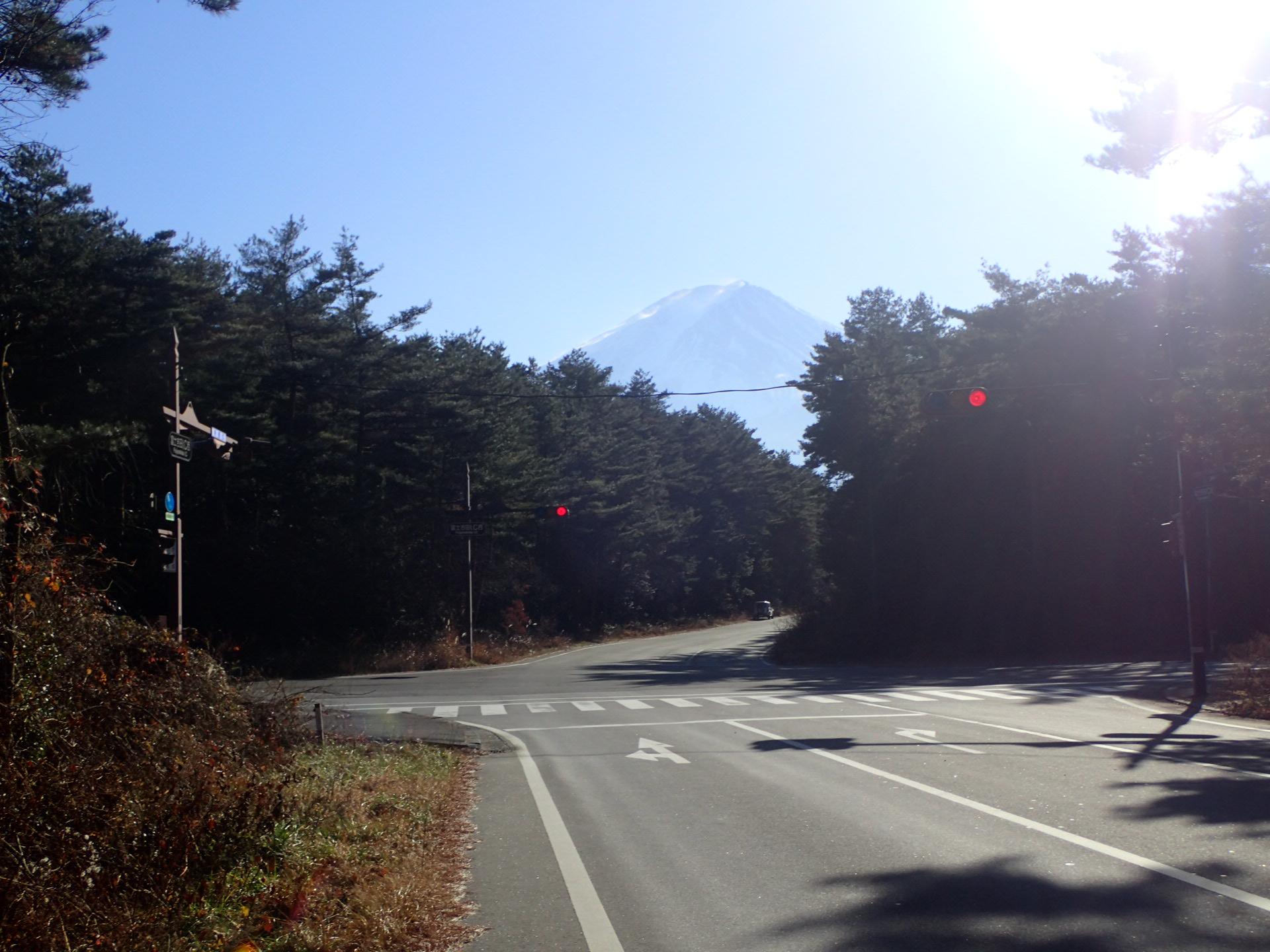 http://www.yamanashi-kankou.jp/blog/3%E5%89%A3%E4%B8%B8%E5%B0%BE.jpg