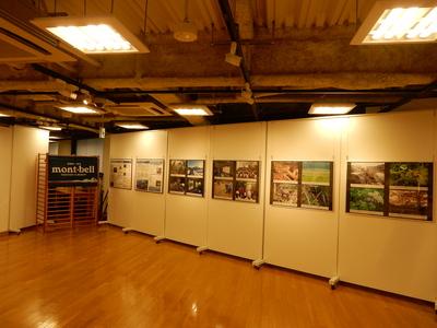 D3NP9A_180706_1352_5写真展(渋谷モンベル)搬入.jpg